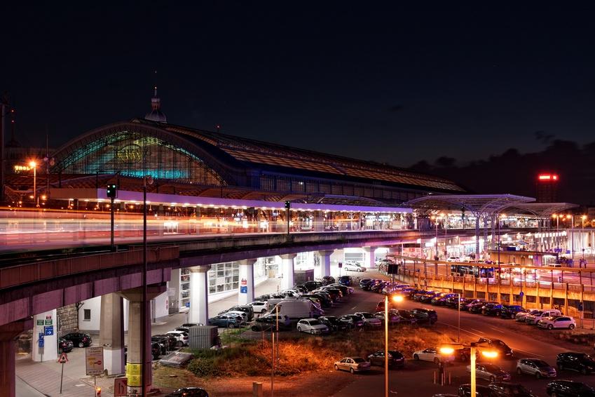 Klner Hauptbahnhof bei Nacht